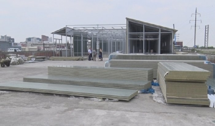 НаКарла Маркса вИркутске завершается монтаж здания Иркутской зоогалереи