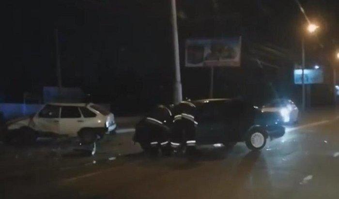 Пять человек пострадали вДТП наулице Сергеева вИркутске (Видео)