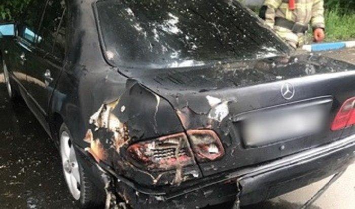 Иркутянка подожгла автомобиль Mercedes-Benz, чтобы отомстить любовнику (Видео)