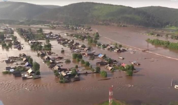 Шесть населенных пунктов подтопило вИркутской области (Видео)