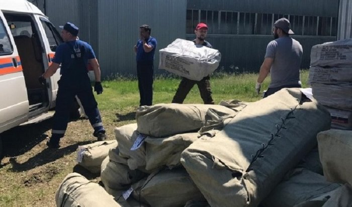 Жители пострадавших отнаводнения районов Приангарья обеспечены одеждой иобувью