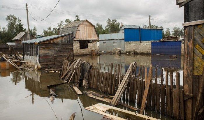 Мэр Нижнеудинского района активно очищал свой участок отпоследствий ЧСспомощью коммунальщиков (Видео)