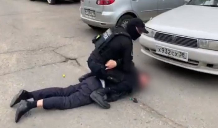 Двух ангарских наркодилеров задержали счетвертью килограмма героина (Видео)