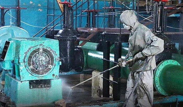 Военные химики продезинфицировали около 400строений взоне ЧСвПриангарье (Видео)
