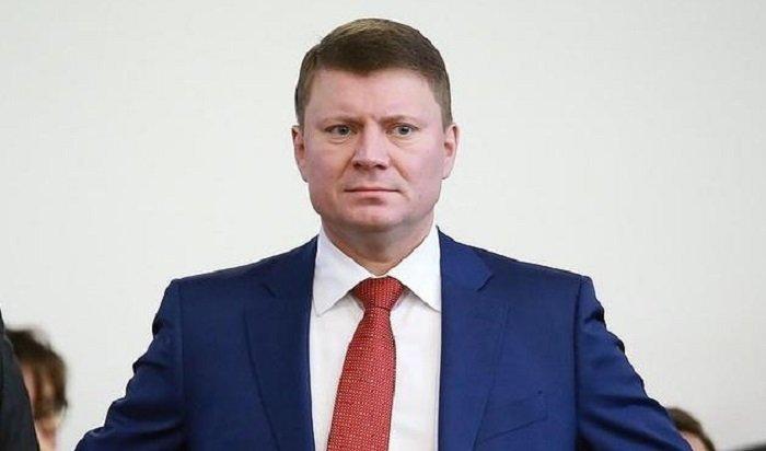 Мэр Красноярска вручил чиновникам «подметалки-подгоняйки» (Видео)