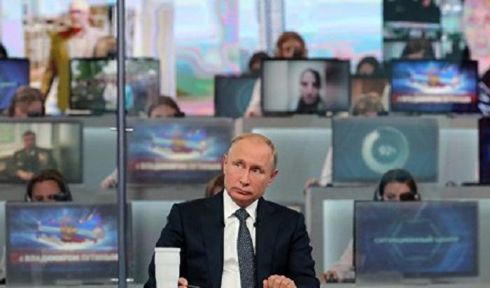 Учительницу, пожаловавшуюся Путину нанизкую зарплату, немогут найти уже месяц
