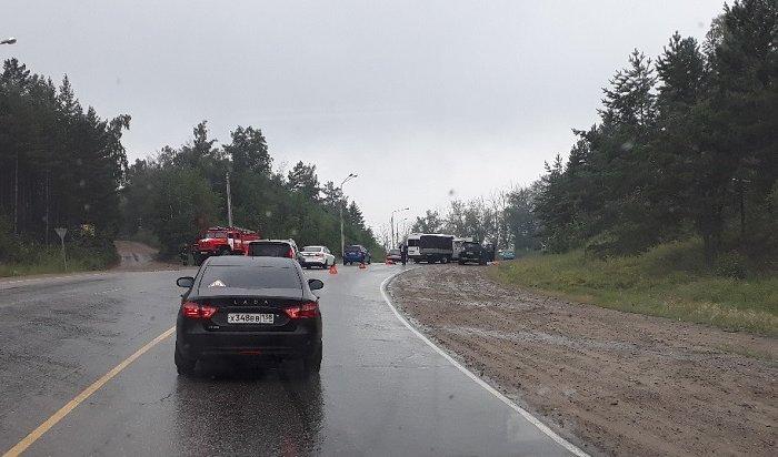 Водители Газели иУАЗа пострадали вДТП наОлхинской горе