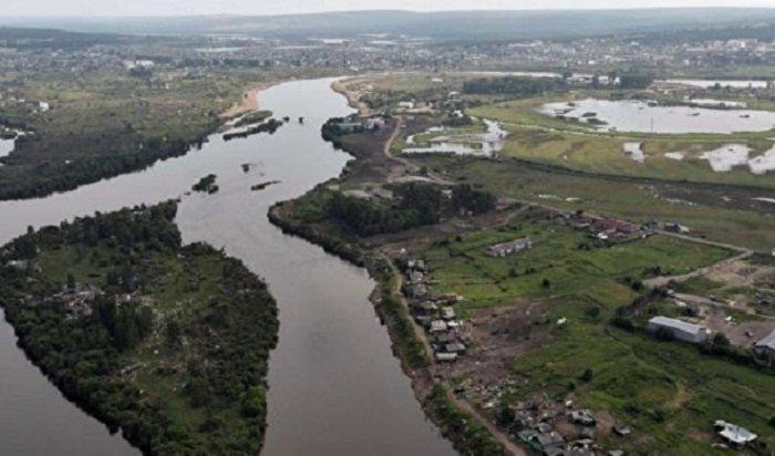 Уровень воды вреке Ияпревысил критическую отметку более чем на3 метра (Видео)