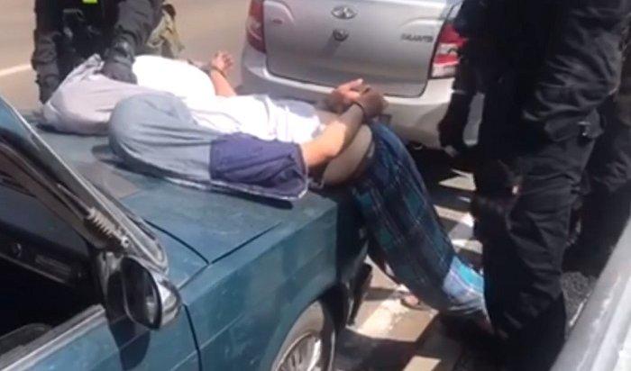 Спецназ «Гром» задержал наркосбытчиков вЧеремхово (Видео)