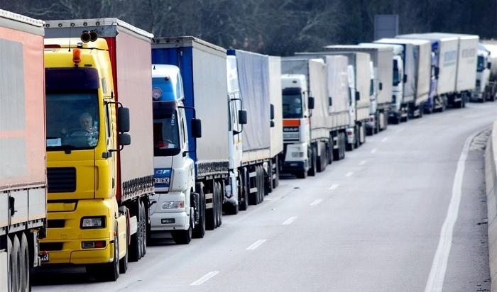 Ограничение движения большегрузов ввели научастке трассы «Байкал»