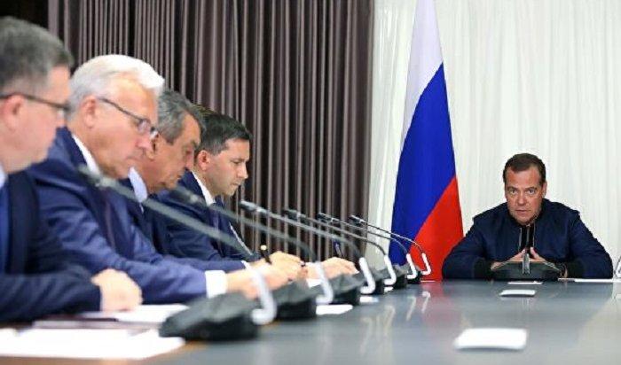Медведев попросил проверить версию онамеренных поджогах лесов