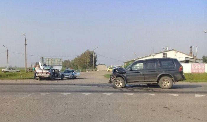 Трое пассажиров «Жигулей» пострадали вДТП вУсольском районе (Видео)