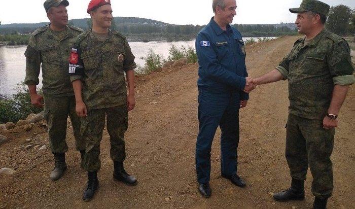 ВТулуне военные восстановили около трех километров защитной дамбы