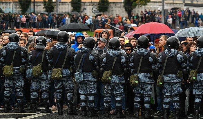 ВМоскве нанесогласованной акции задержали 136человек (Видео)