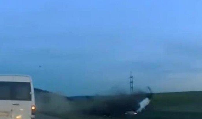 Ремень безопасности спас отгибели 22-летнего водителя-перевертыша (Видео)
