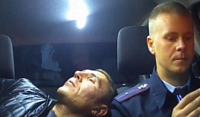 Пьяный иркутянин без водительских прав устроил погоню ссотрудниками ГИБДД (Видео)