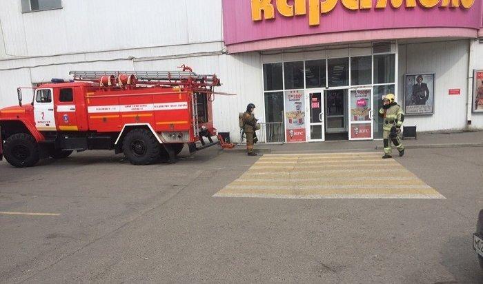 Пожарные учения проходят вТРЦ «Карамель»
