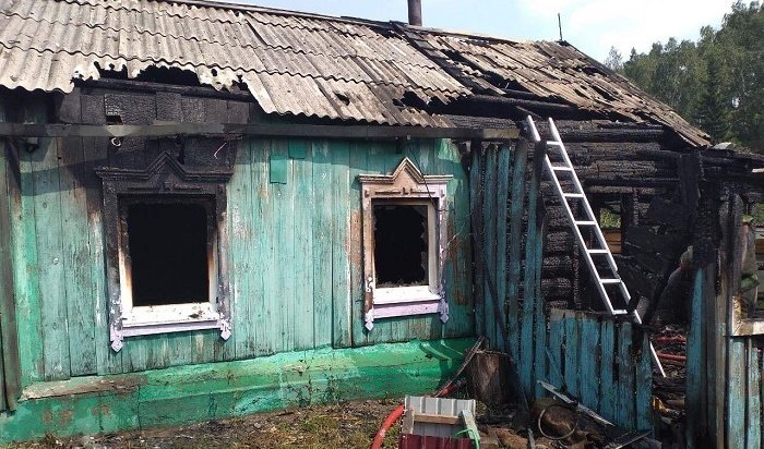 Женщина итрое детей погибли врезультате сильного возгорания  вИркутской области