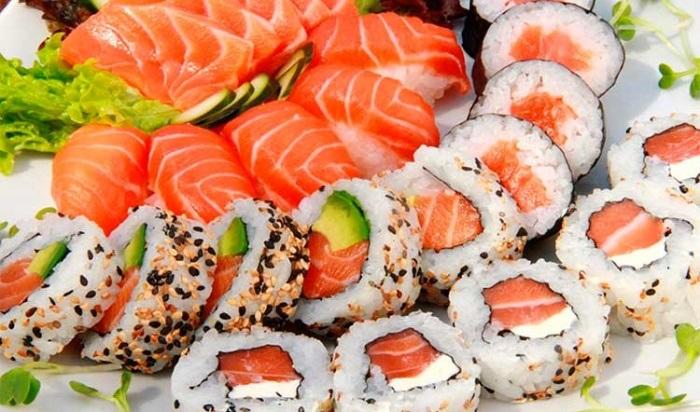 Девять жителей Усолья отравились суши ироллами