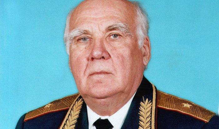 ВУльяновске умер генерал ФСИН Василий Сныцерев, сломивший 130воров взаконе