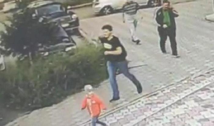 ВАнгарске задержали школьника, который надругался над 10-летней девочкой вподъезде многоэтажки