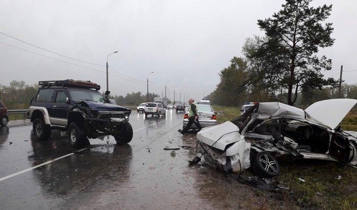 ВУсолье при столкновении трех автомобилей погиб водитель Toyota Chaser