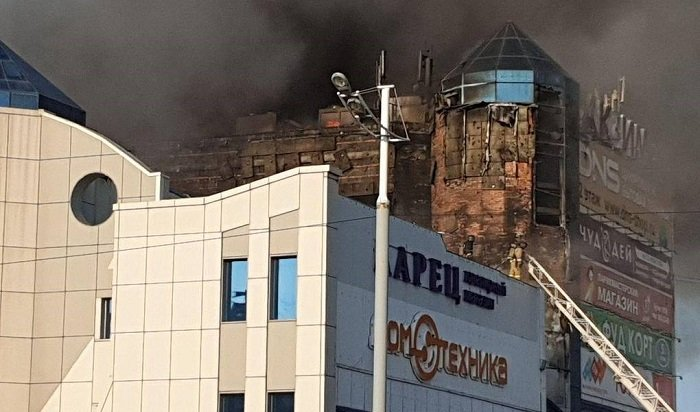 ВоВладивостоке горел крупный торговый центр (Видео)