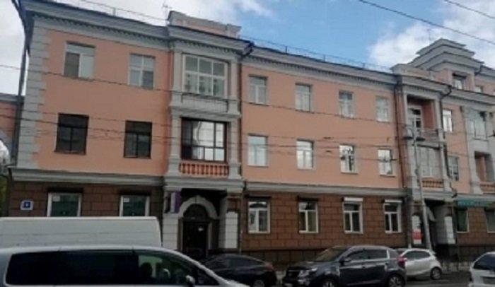 Вцентре Иркутска приводят впорядок фасады зданий