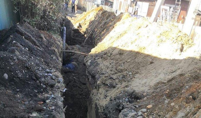 Двое рабочих погибли вовремя обвала втраншее вЛенинском районе Иркутска