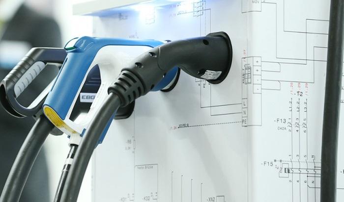Водителей электромобилей иавто, использующихгаз, хотят освободить оттранспортного налога вПриангарье