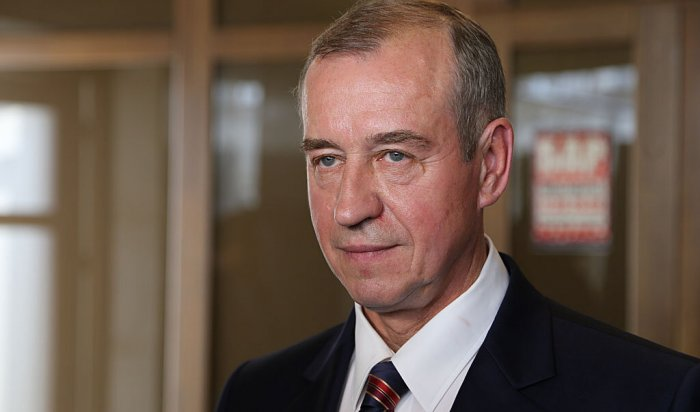 Коммунисты Госдумы попросили Путина неувольнять иркутского губернатора
