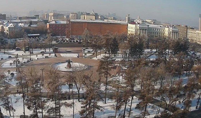 Главную елку начали устанавливать вИркутске