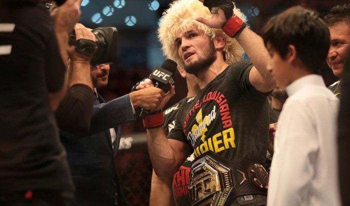 UFC официально утвердила бой Хабиба иФергюсона