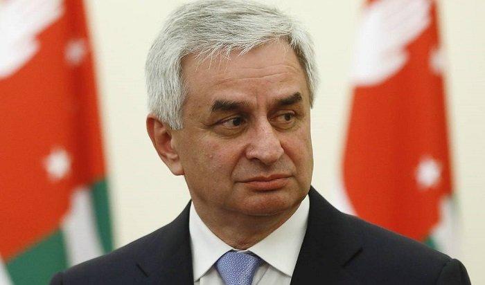 Президент Абхазии подал вотставку