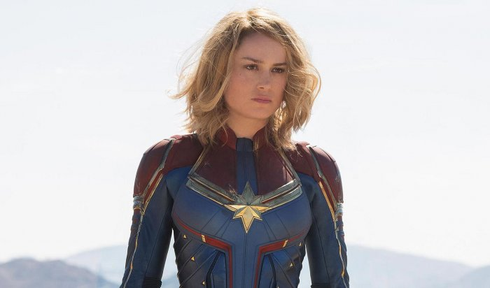 Самую сильную женщину Капитана Марвел потребовали сделать темнокожей лесбиянкой