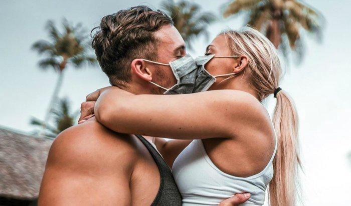 Коронавирус стал модным трендом для фотографий вInstagram