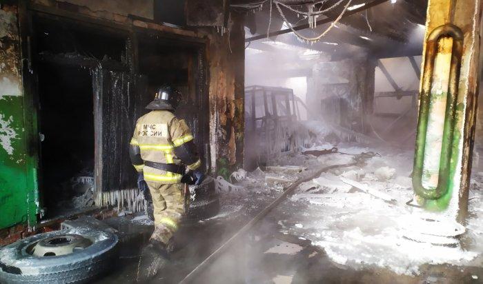 ВИркутске вгаражном боксе сгорели 15автобусов (Фото+Видео)
