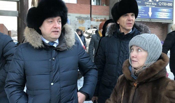 Кобзев поручил достроить проблемный дом наулице Сергеева вИркутске