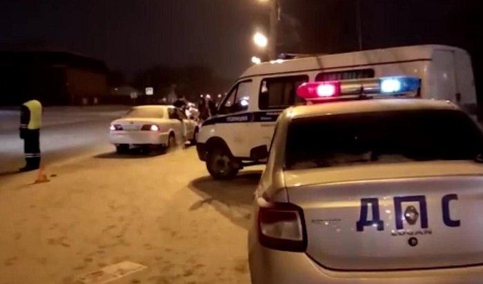 Иркутский полицейский проехал три километра накрыше машины барсеточников (Видео)