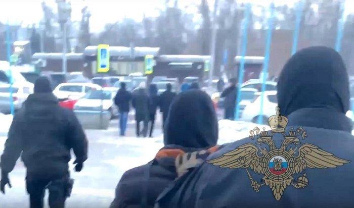 ВИркутске задержали сутенера утрапа самолета изТаиланда (Видео)