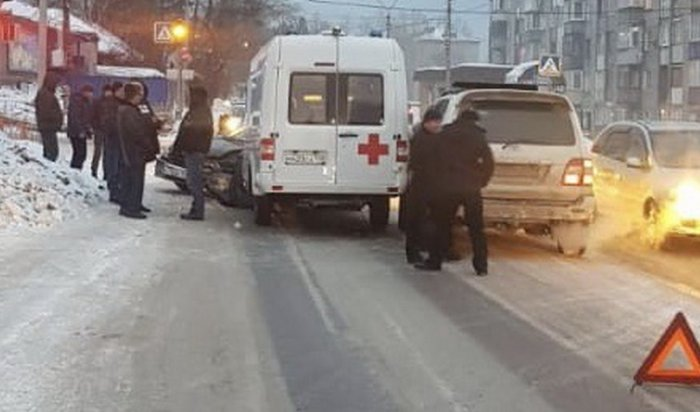 ДТП сучастием скорой помощи произошло вУсть-Куте
