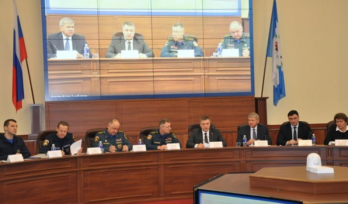 Глава МЧС Евгений Зиничев провел совещание вИркутске
