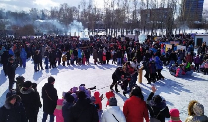 Казачью масленицу отпраздновали назаливе Якоби вИркутске (Фото+Видео)