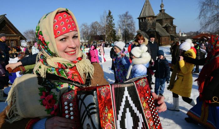Масленицу широко отмечают вИркутске сегодня, 1марта (ПРОГРАММА)
