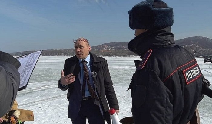 ВУссурийске работает депутат Наливкин, окотором говорит вся страна