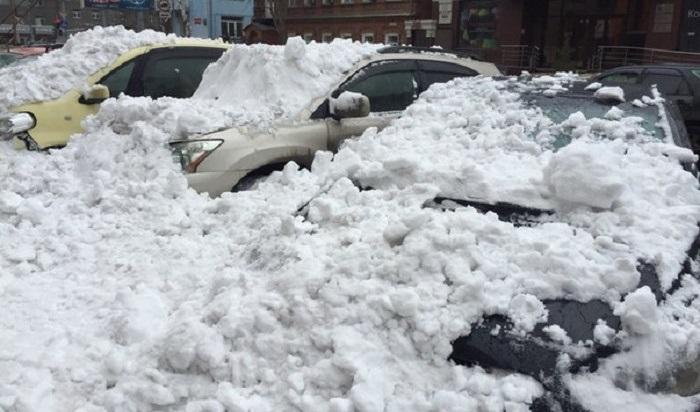 Иркутянину удалось отсудить компенсацию западение наавтомобиль снега ильда скрыши