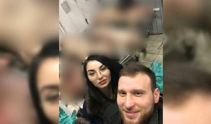 Двух офицеров московской полиции уволили заселфи вморге
