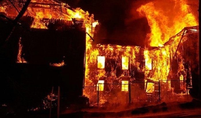 Здание бывшей больницы сгорело вБохане