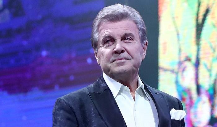 Лев Лещенко спел россиянам «Надежду» изпалаты вКоммунарке (Видео)