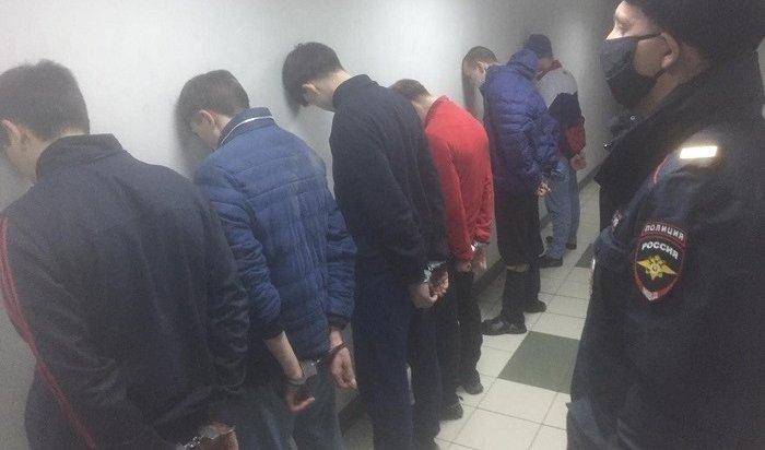 Шесть пациентов, сбежавших изпсихбольницы вИркутске, задержали нареке Ушаковке (Видео)